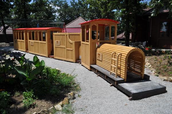 Voz-u-ZOO-vrtu