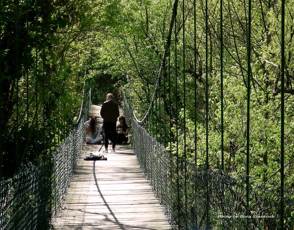 Lazareva pećina-viseći most
